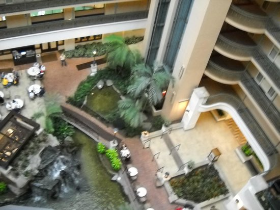 Embassy Suites by Hilton Dallas DFW Airport South : Atrium