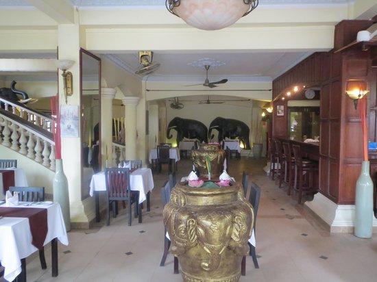 Terrasse des Elephants: Breakfast terrace