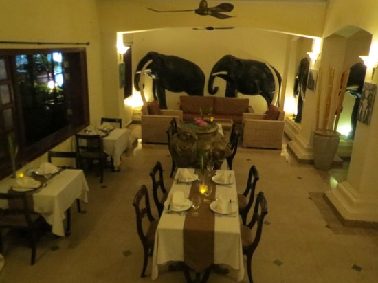 Terrasse des Elephants: 2nd Fl Lounge