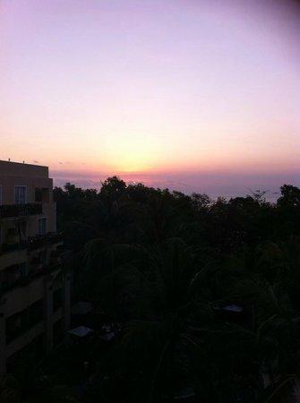 Kuta Paradiso Hotel : Quick shot from the balcony one night