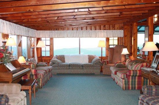 Big Lynn Lodge: Lounge Area