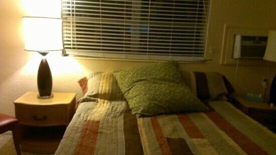 Amber Tides Motel: comfy bed