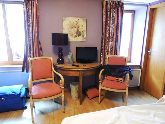 Hôtel Le Sarment d'Or: Nosso quarto
