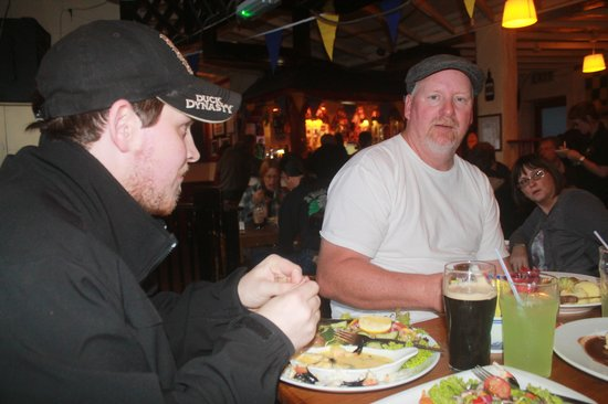 McDermott's Pub : enjoying great food