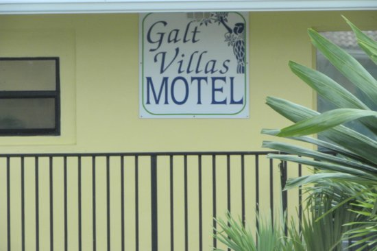 Galt Villas Inn: outside