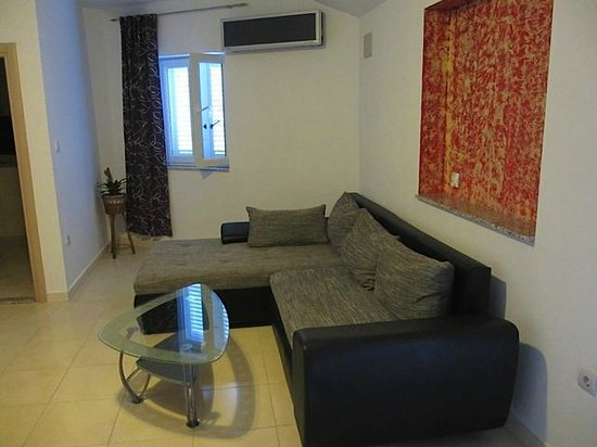Apartments Marina: Living area