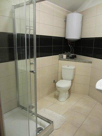 Apartments Marina: Shower/toilet