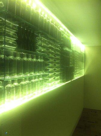 O Talho: Uma parede para beber...