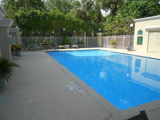 Wingate by Wyndham Fort Lauderdale Miramar : pool