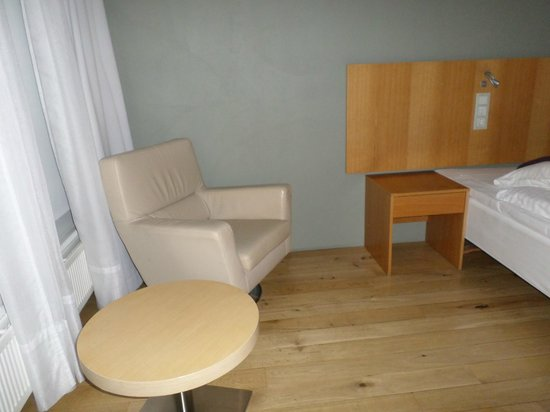 Silica Hotel: enough room for a little table and chair