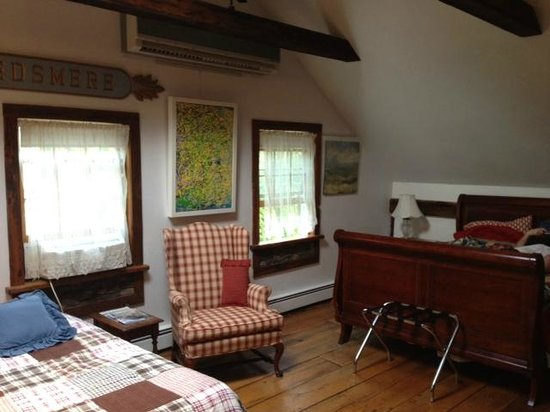 Kent Country Inn: Upstairs room #1