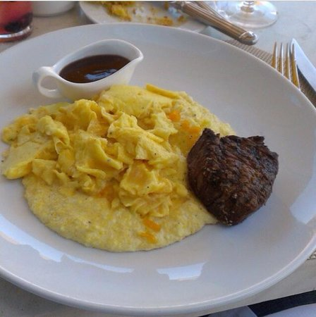 Halls Chophouse : Best grits, steak and eggs