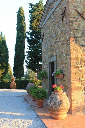 إل كاسال ديل كوتون آند روكا ديجلي أوليفي: Precious chapel