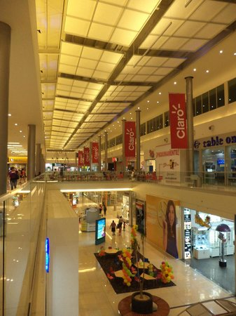 Metromall Panama: Pasillo interno segundo nivel