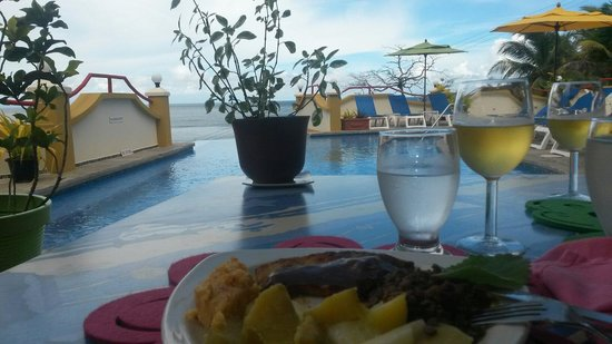 Anise Resort and Spa : Lunch on the patio