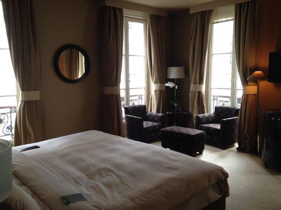 Renaissance Paris Vendome Hotel : Another room photo