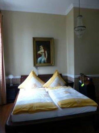 Honigmond Hotel : Beds in bedroom