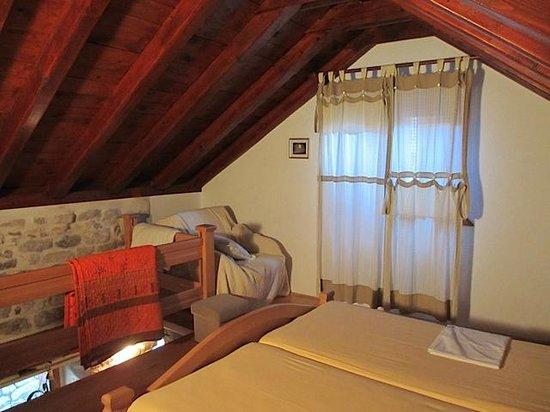 Salvezani Apartment : Beds