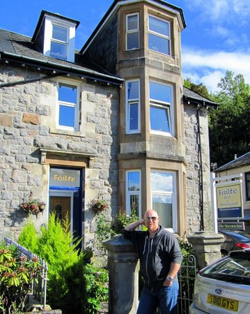 Failte Bed & Breakfast : my husband in front of the B&B