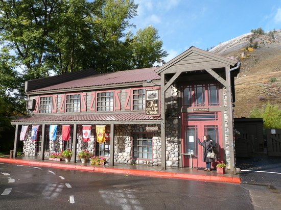 Inn on the Creek : View from the street