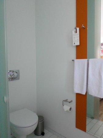 Icelandair Hotel Akureyri: bathroom