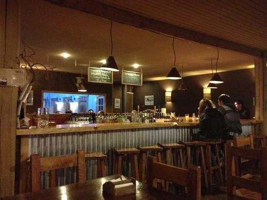 Cerveza Baguales: bar area