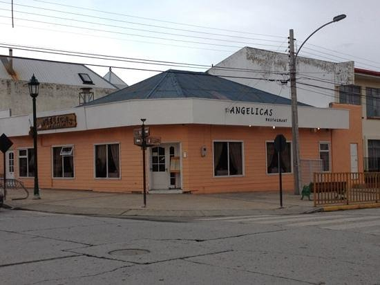 Angelica's: restaurant from main street