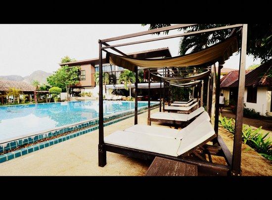 Phi Phi Villa Resort: สระว่ายน้ำ