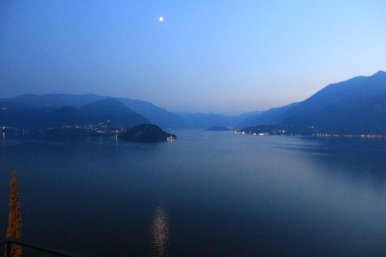 Eremo Gaudio: Lake Como at Night from our balcony