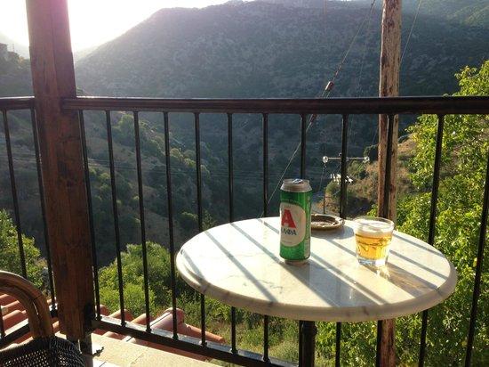 En Dimitsani: Balcony View