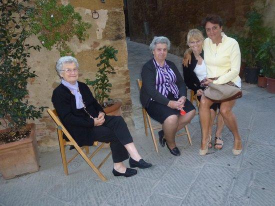 "La Bandita Townhouse: Our ""neighbor ladies"""