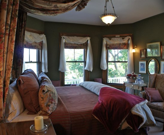 Greenville Inn at Moosehead Lake: Master Suite