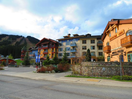 Hearthstone Lodge: Frente do hotel