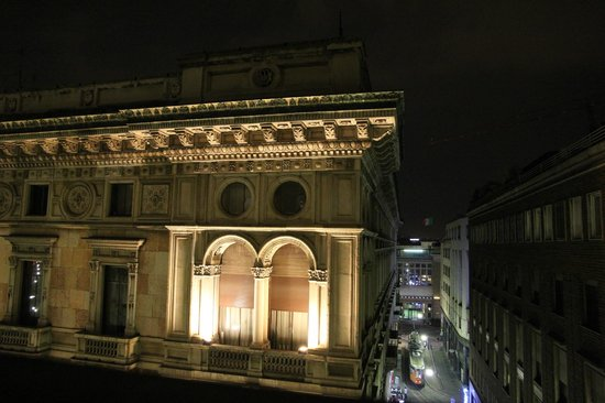 UNA Maison Milano: View from Balcony at Night