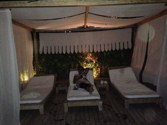 Darikhana at RAAS Jodhpur : Cabana by the pool