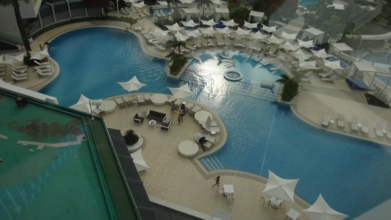 Crown Metropol Perth: Pool view