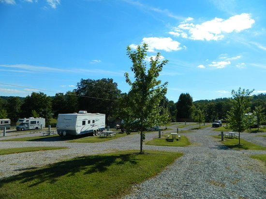 Mountain Glen RV Park & Campground : RV sites
