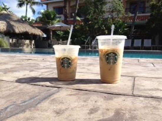 Courtyard Key West Waterfront: Starbucks by the pool