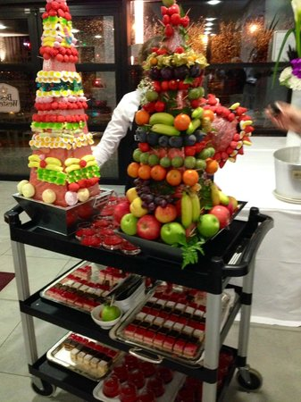 Best Western Plus Paris Velizy: Fruit and Dessert Cart during the Inauguration Party