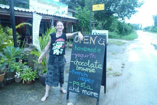 Kunda Vegan Vegetarian Cafe: Menu
