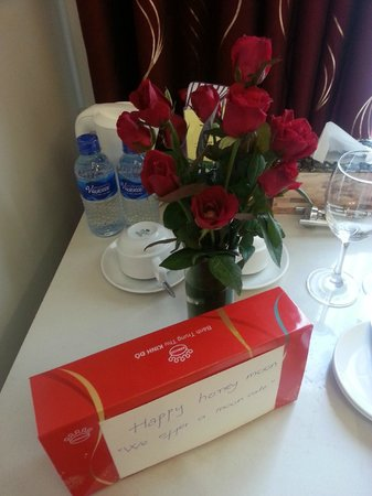Golden Sun Palace Hotel : Gift waiting for us.