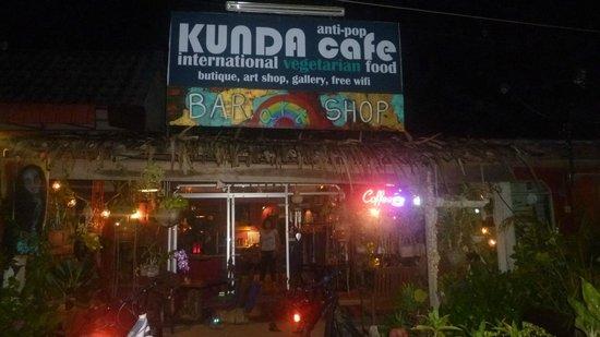Kunda Vegan Vegetarian Cafe: Kunda  by night