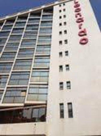 Leonardo Hotel Tiberias: Exterior of hotel