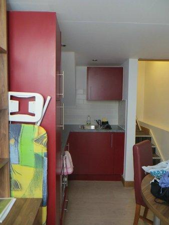Richmond Place Apartments: The kitchen