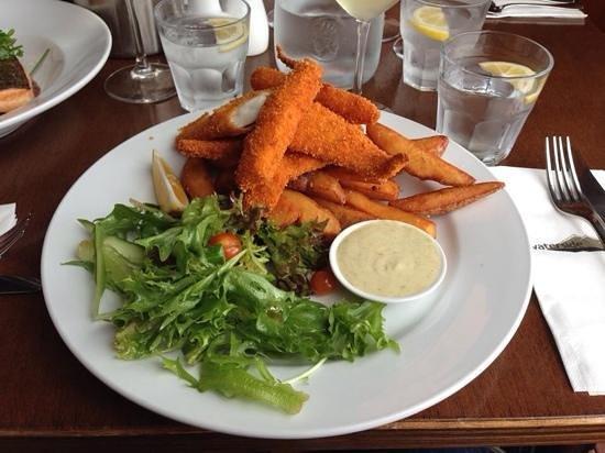 Waterside Restaurant & Bar: Fush and Chups
