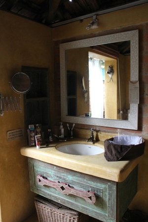 Turiya Villa and Spa: Rohini Bathroom