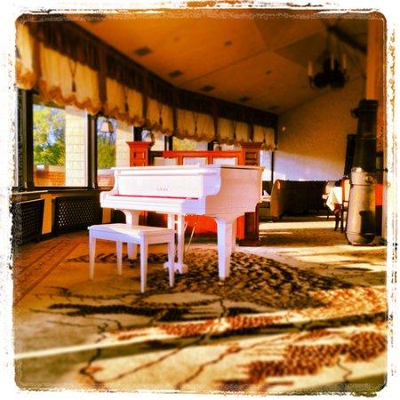 Citadel Inn Hotel & Resort: Lobby Bar