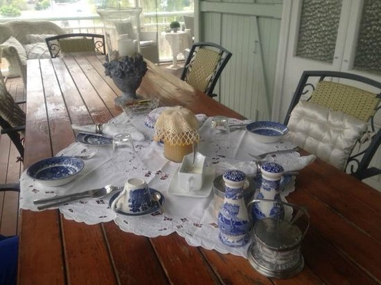 Inglebrae B&B : Greetings - it is your morning table setting