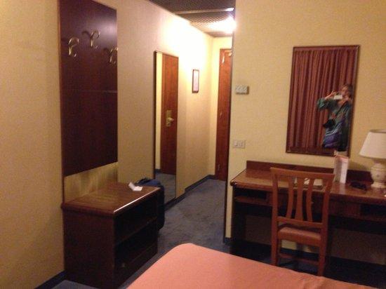Hotel Raffaello Firenze: Room 413