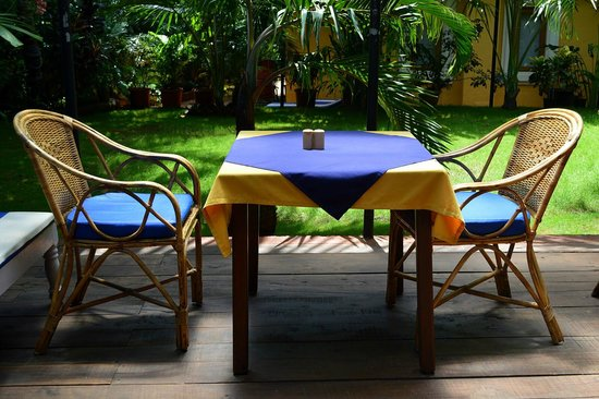 Bougainvillea Guest House Goa: Papaya restaurant